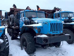 Уралпромтехника Уралпромтехника 59601В Holztransporter LKW