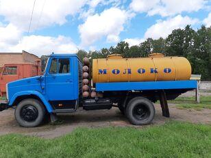 ZIL 433362 Milchtankwagen